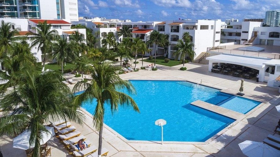 Pool beachscape kin ha villas & suites cancún